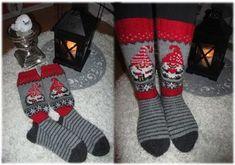 Tällaiset tonttusukat tein ja paketoin rakkaalle äidilleni joulupakettiin. Äitini rakastaa joulua ja varsinkin villasukkia, joten tiedän, että on mieleinen lahja. Tontun kuvat olen löytänyt Pinterestistä ja silmukoinut valmiisiin sukkiin. - Emmi Suominen