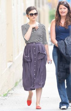 Ginnifer Goodwin walking around New York City. Ya know, I've got the biggest crush on her...