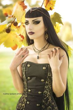 Angel After Dark. If you don't have any gothic fashion sense, this article is for you. There is absolutely no reason for you to look like a gothic fashion disaster. Gothic Corset, Gothic Steampunk, Gothic Dress, Gothic Outfits, Steampunk Female, Goth Beauty, Dark Beauty, Gothic Fashion, Vintage Fashion