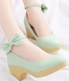 Pretty Shoes, Beautiful Shoes, Cute Shoes, Me Too Shoes, Kawaii Shoes, Kawaii Clothes, Sock Shoes, Shoe Boots, Shoes Heels