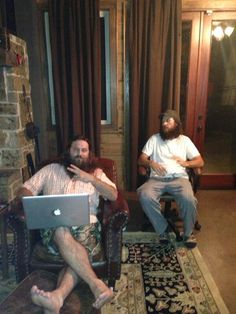 Willie & Jase from Duck Dynasty Duck Dynasty Cast, Duck Dynasty Family, Willie Robertson, Robertson Family, Sadie Robertson, Jep And Jessica, Drake And Josh, Duck Commander, Quack Quack