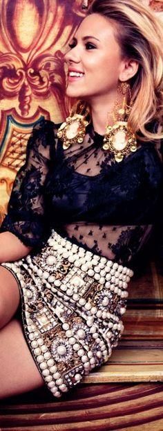 Scarlett Johansson in Gold, Black & Pearls/ Dolce & Gabbana <3