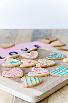 Sweet Treat: Decorate Valentine Cookies! #recipe #valentine #cookie