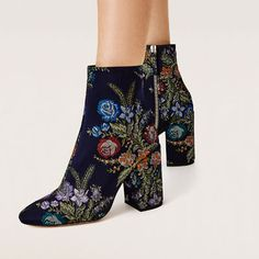 Image 6 of EMBROIDERED DETAIL ANKLE BOOTS from Zara