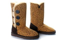 www.repsneakers.com If u wanna order the UGGs,pls send the pic and talk to Amy to get more info on the site <3