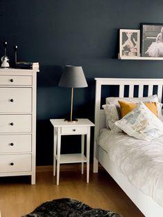 İkea yatak odası- ikea bedroom design ideas Ikea Bedroom Design, Bedroom Storage, Home Bedroom, Bedroom Decor, Home Design Decor, Home Interior Design, Home Decor, Minimalist Room, Decorating Your Home