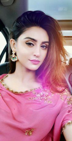 Krstle d souza - Indian Hot Girls Stylish Girls Photos, Stylish Girl Pic, Beautiful Indian Actress, Beautiful Actresses, Beautiful Women, Beautiful Person, Beautiful Soul, Simply Beautiful, Beautiful Bride