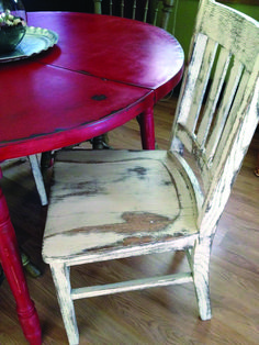 Retro Red Kitchen Table and Chair. Retro Red Kitchen Table and Chair. Art Deco Retro 50 S 60 S Red Laminex Dining Table and Distressed Kitchen Tables, Distressed Chair, Country Kitchen Tables, Distressed Furniture, Kitchen Chairs, Rustic Kitchen, Kitchen Furniture, Kitchen Interior, Paint Furniture