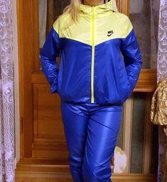 Sport Fashion, Mens Fashion, Fashion Outfits, Nylons, Nike Tracksuit, Rain Wear, Vintage Jacket, Sportswear, Rain Jacket
