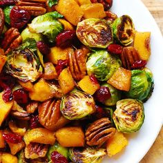 Roasted Brussels Sprouts Salad with Maple Butternut Squash, Pumpkin Seeds, and Cranberries - Julia's Album Vegetable Dishes, Vegetable Recipes, Vegetarian Recipes, Cooking Recipes, Healthy Recipes, Keto Recipes, Salad Recipes, Comidas Fitness, Thanksgiving Side Dishes