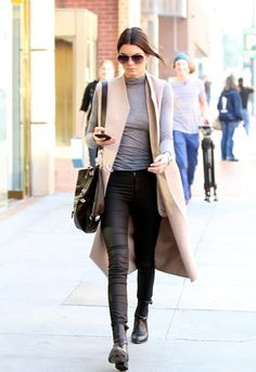 Kendall knows it: you need a sleeveless coat