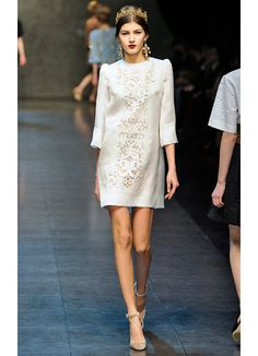 dolce and gabbana fall 2013. Simple white lace dress, red lipstick and nude heels