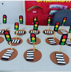 Kids Learning Activities, Toddler Activities, Preschool Activities, Transportation Theme Preschool, Art For Kids, Crafts For Kids, Graduation Crafts, Paper Flower Patterns, Easy Paper Crafts