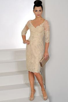 Sheath/Column V-neck Knee-length Tulle Mother of the Bride Dress