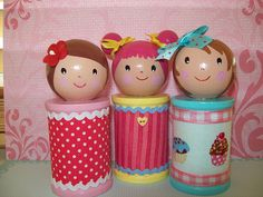 Spool Dolls- this could be an awesome way to make the cake toppers!