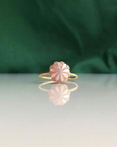 L O T U S P E A R L 1 8 K 🐚 Simple Jewelry, Precious Metals, 18k Gold, Stud Earrings, Studio, Instagram, Design, Stud Earring