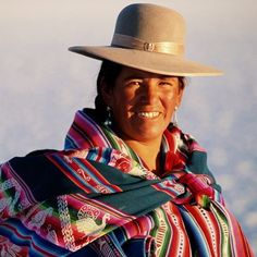 Women from have endured the harsh climate on their skin for centuries. Beautyseafari studied the traditions using natural plants that have been passed down through generations. Beauty Around The World, Coral Springs, Bolivia, Panama Hat, This Is Us, Tourism, Clouds, Natural, Women