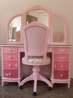 5 Shades of Pink Vanity Table! Pink Furniture, Vintage Furniture, Painted Furniture, Pink Houses, Everything Pink, New Room, Girls Bedroom, Girl Rooms, Bedrooms