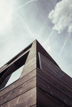 Contemporary Chalet by Rudolf Perathoner Architect