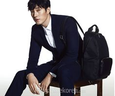 05 So Ji Sub's Interior Spreads From The June 2015 Issue Of Esquire Korea
