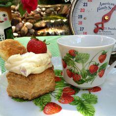 Kitty's Kozy Kitchen: Strawberries and Cream Puff Pastry Shells
