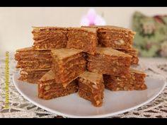 Iata o minunata reteta de prajitura cu foi de napolitana. Romanian Desserts, Romanian Food, No Cook Desserts, Cookie Bars, Caramel, Cereal, Bakery, Good Food, Food And Drink