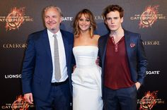 VIDEO: 'Catching Fire' director and stars Jennifer Lawrence & Sam Claflin talk new scenes & changes | The Hunger Gamers - Home of the Hunger Games Fans | TheHungerGamers.tk