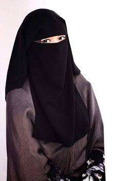 Arab Girls Hijab, Muslim Girls, Mode Niqab, Habits Musulmans, Islamic Girl Images, Niqab Fashion, Hijabi Girl, Girl Hijab, Hijab Cartoon