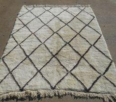 Genuine Moroccan rug Beni. Size 6x8 - Atlas Weavers