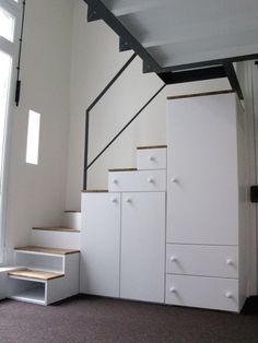 escalier rangement sur mesure pour une mezzanine un. Black Bedroom Furniture Sets. Home Design Ideas