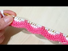 Bu iki renkli Tunus işi modele bayılacaksınız hem çok kolay hem çok güzel knitting crochet - YouTube Tunisian Crochet, Crochet Yarn, Crochet Stitches, Knitting Patterns, Crochet Patterns, Knit Edge, Knitted Baby Clothes, Kurti Designs Party Wear, Crochet Videos