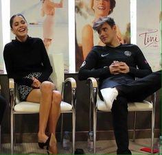 Jorge y Tini haciendo entrevistas en Francia para #TiniElGranCambioDeVioletta #JorgeBlanco #TiniStoessel #Jortini [3]
