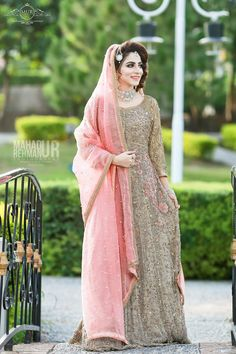 End to End Customization with Hand Embroidery & beautiful Zardosi Art by Expert & Experienced Artist That reflect in Blouse , Lehenga & Sarees Designer creativity that will sunshine You & your Party Worldwide Delivery. Asian Bridal Dresses, Latest Bridal Dresses, Pakistani Party Wear Dresses, Bridal Mehndi Dresses, Indian Wedding Gowns, Asian Wedding Dress, Walima Dress, Shadi Dresses, Pakistani Wedding Outfits