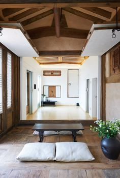 Refurbished 185 year old traditional housing used as a hotel, Andong City, North Gyeongsang Province, South Korea [2100×3117] - Interior Design Ideas, Interior Decor and Designs, Home Design Inspiration, Room Design Ideas, Interior Decorating, Furniture And Accessories