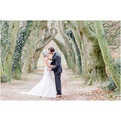 Pure and subtle inspiration by @alexandravonk on the blog today! http://www.theweddingblog.be/index.php/2015/05/12/clean-and-white-wedding-inspiration/  @fashionhairstylistnl @redwhitebluepink @annette_spijker #clean #bright #bridal #wedding #white #huwelijk #bruiloft #inspiration