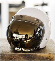 Vintage Bubble Shield open face Helmet for Cafe Racer :) Retro Helmet, Vintage Helmet, Cafe Racer Helmet, Cafe Racer Bikes, Helmet Shop, Motorcycle Outfit, Motorcycle Helmets, Women Motorcycle, Vespa