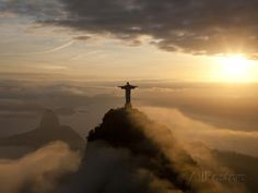 Statue of Jesus, known as Cristo Redentor (Christ the Redeemer), on Corcovado Mountain in Rio De Ja Fotoprint