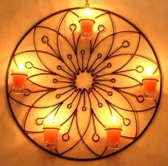 Decoración Diwali Decorations At Home, Wrought Iron Decor, Wood Candle Holders, Rack Design, Metal Crafts, Metal Furniture, Metal Wall Art, Decorative Accessories, Aluminum Railings