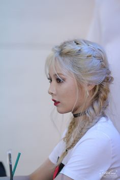 Find images and videos about hair, kpop and beauty on We Heart It - the app to get lost in what you love. Block B, Kpop Girl Groups, Kpop Girls, Hair Inspo, Hair Inspiration, Korean Girl, Asian Girl, Hyuna Kim, Kim Chungha