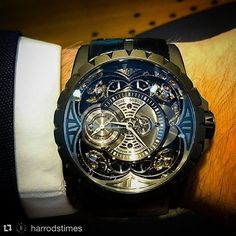 Thanks to the experts at @harrodstimes for this picture of our #RDExcalibur #Quatuor in black titanium. Go discover this incredible timepiece in #Harrods now!#tourbillon counteracts the effects of gravity on a watch's movement but with four sprung balances working in pairs and linked by differentials the Excalibur Quatuor from @Roger_Dubuis provides an effective alternative. #HarrodsTimes by roger_dubuis