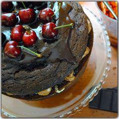 ICandy: Torcik czekoladowy z wiśniami