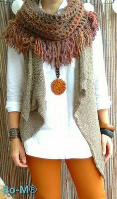 Acessórios feitas à mão. Artesanato. Crochet Cardigan, Crochet Scarves, Crochet Shawl, Crochet Hooks, Knitted Shawls, Free Crochet, Knit Crochet, Autumn Winter Fashion, Fall Outfits