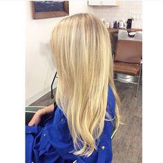 Cut Splice Boston - bright blonde balayage