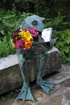 Such a perfect gentleman caller, flowers and a gift for his lady. Garden Whimsy, Love Garden, Dream Garden, Yard Art, Garden Statues, Garden Sculpture, Rabbit Garden, Garden Frogs, Frog Art