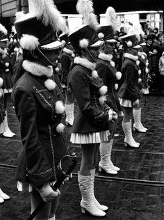 Aleksanterinkadun Joulukadun avajaiset vuonna 1971. Kuva: Kari Hakli / Helsingin kaupunginmuseo. #helsinki #joulu #joulukatu