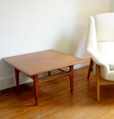 danish mod side table <3