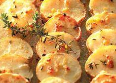 Zuiderse ovenaardappelen, lekker maar vrij vet. Ideaal met olijfolie ipv boter!