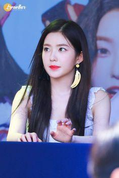 Kpop Girl Groups, Korean Girl Groups, Kpop Girls, Girls Group Names, Red Velet, Just Beauty, Red Velvet Irene, Iconic Women, Seulgi