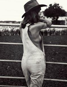 www.pegasebuzz.com | Jenna Pietersen by Daniella Midenge for Myself Magazine, july 2015.