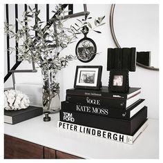 Giving this console a little black & white moment #design #maisontrouvaille #interior #interiordesign #designer #fashion #mensfashion #streetstyle #organicmodernism #consoledecor #styledconsole